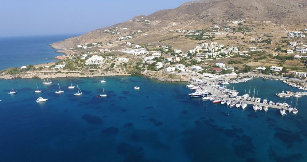 Finikas (Syros)
